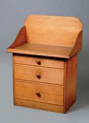 Lot 25: Wash Stand