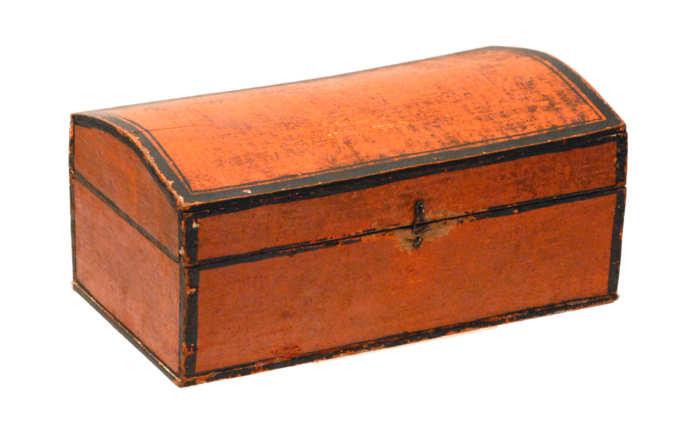 Lot 206: Glove Box
