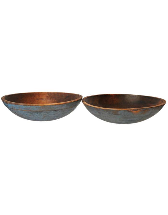 Lot 39: Two Blue Bowls