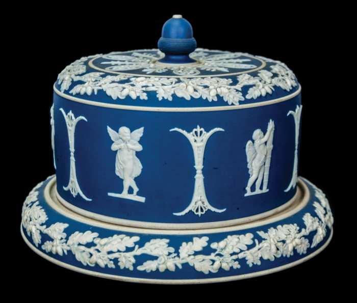 Lot 121: Wedgwood Cake Plate