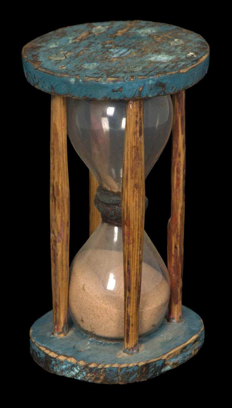 Lot 14C: 18th/19th c. New England Hourglass
