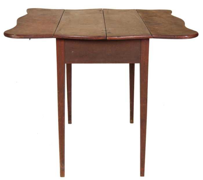 Lot 177: Pembroke Table