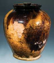 Lot 1: 19th c. Ovoid Redware Crock