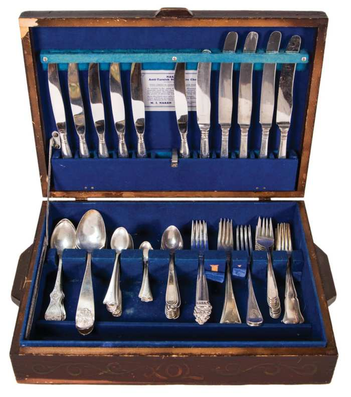 Lot 81: Collection of Sterling Flatware