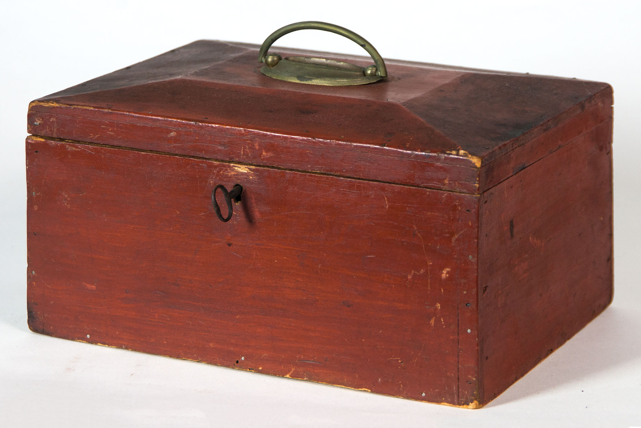 Lot 116B 19th C. Hingham Storage Box & Willis Henry Auctions Inc.