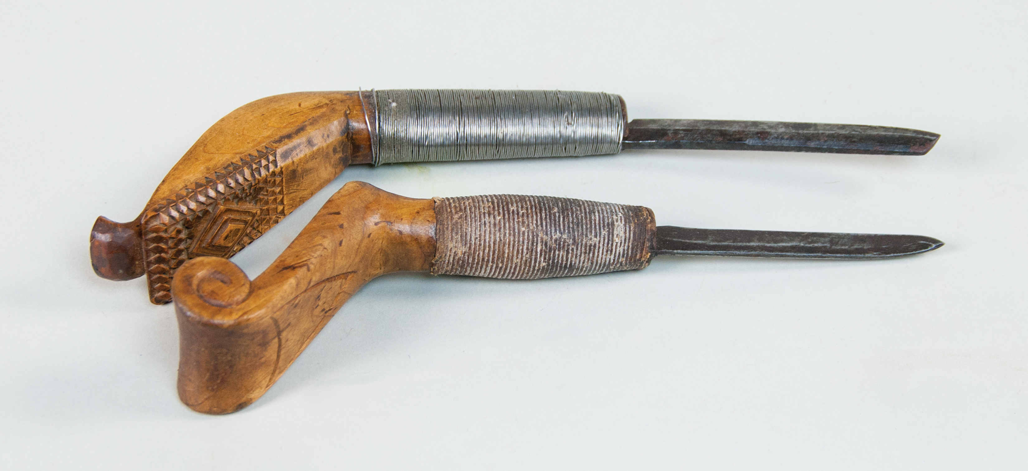decoys, crooked, knives